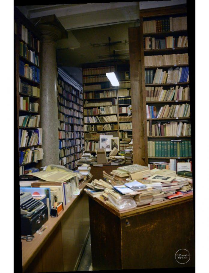 Scaffale delle memorie Trieste Libreria Storica Umberto Saba Libreria